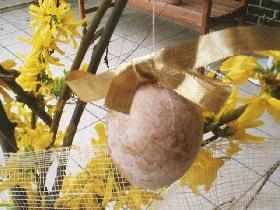 oeuf marbré doré pierre papier ciseaux