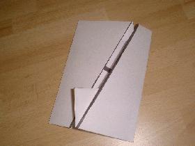 rabattre ensuite les deux autres c?tés (droit et gauche) afin d'obtenir un rectangle parfait