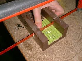 couper les crayons en différentes longueurs